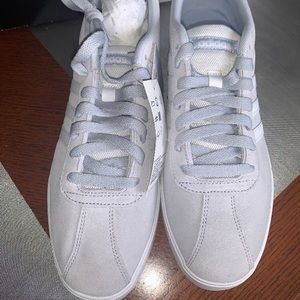 Women's Adidas Sneakers. 🌸🌸 NWT🌸🌸